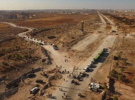 Chien su Syria: Phien quan phao kich, hai si quan Nga bi thuong - Anh 1
