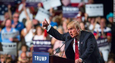 Neu Donald Trump tro thanh tong thong: Con ac mong cho cac ngan hang chau Au? - Anh 1
