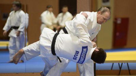 Cao thu Putin 'danh phu dau' voi don Judo dia chinh tri - Anh 2