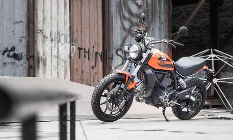 Ducati Scrambler Sixty2: Cong tu do thanh - Anh 3