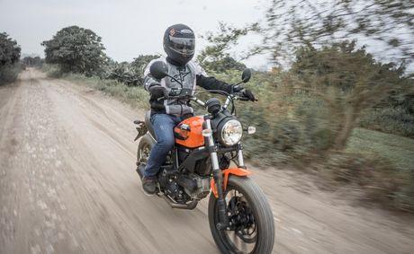 Ducati Scrambler Sixty2: Cong tu do thanh - Anh 5