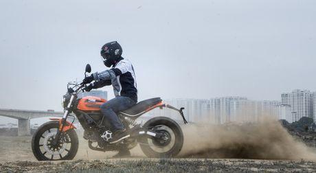 Ducati Scrambler Sixty2: Cong tu do thanh - Anh 6