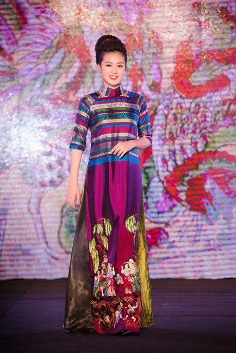 Dao Thi Ha cung dan nguoi dep HHVN 2016 hoi ngo trinh dien ao dai - Anh 5