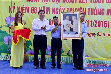 Bi thu Tinh uy: Lam viec gi cung tren tinh than de cuoc song nguoi dan tot hon - Anh 3