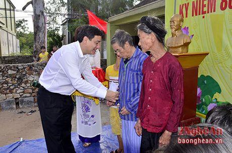 Bi thu Tinh uy: Lam viec gi cung tren tinh than de cuoc song nguoi dan tot hon - Anh 4