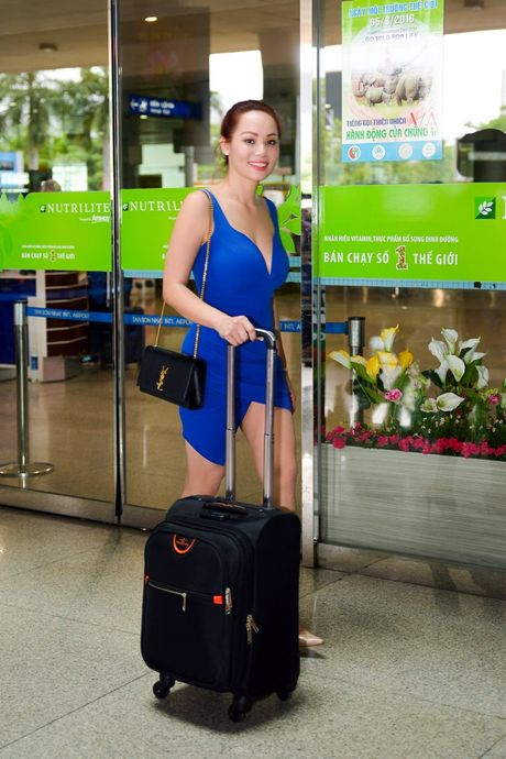 Hoa hau Chau A tai My ve Viet Nam chung tay giup do dong bao mien Trung - Anh 7
