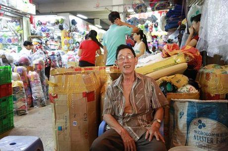 Cho Binh Tay gan 90 tuoi truoc ngay tam dong cua - Anh 5