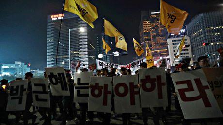 Hang chuc ngan nguoi bieu tinh o Seoul, doi Tong thong Park tu chuc - Anh 9