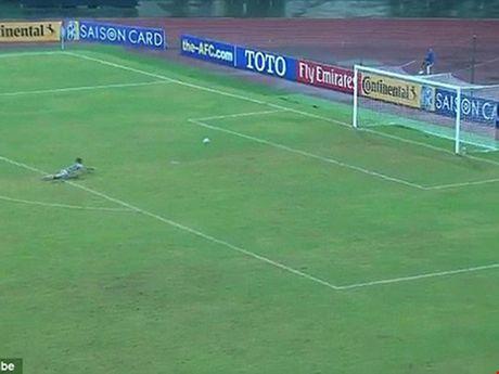 U-16 Trieu Tien dan xep ti so, AFC ra an phat nang - Anh 1