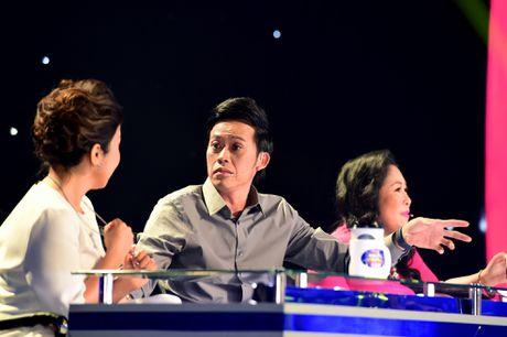 Hoai Linh cuoi nghieng nga khi Le Giang hat cai luong - Anh 3