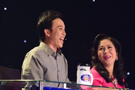 Hoai Linh cuoi nghieng nga khi Le Giang hat cai luong - Anh 4