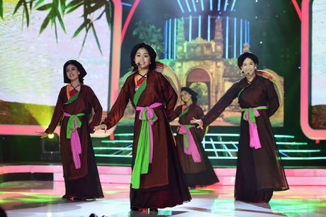 Hoai Linh cuoi nghieng nga khi Le Giang hat cai luong - Anh 6