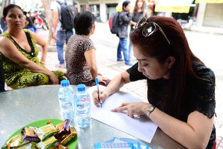 NS Thoai My, Thanh Loc khoc khi den vieng sau nu Ut Bach Lan - Anh 5