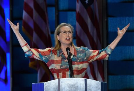 Giai thuong Qua cau vang 2017 ton vinh Meryl Streep - Anh 1