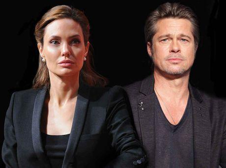 Chuyen chan goi lanh nhat khien Angelina va Brad ly hon? - Anh 1