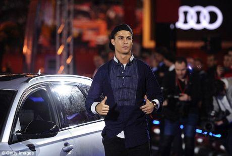 Dan sao Real tinh mat, chon xe xin hon Barcelona - Anh 4