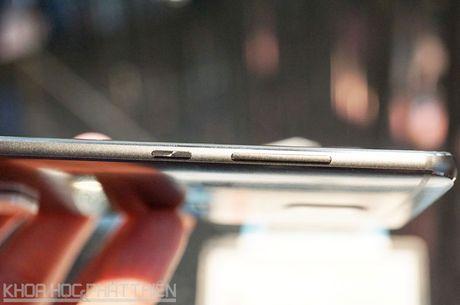 Tren tay smartphone dat nhat trong lich su hang Huawei - Anh 14