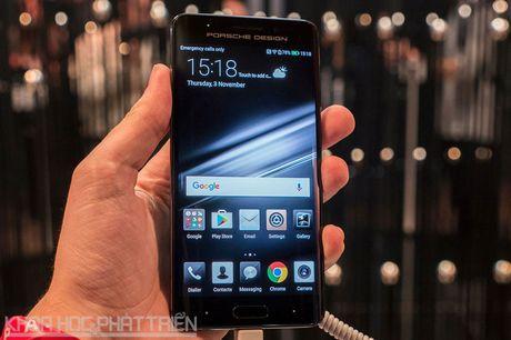 Tren tay smartphone dat nhat trong lich su hang Huawei - Anh 17