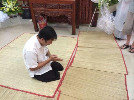 Dua linh cuu NSUT Ut Bach Lan toi chua An Quang - Anh 8