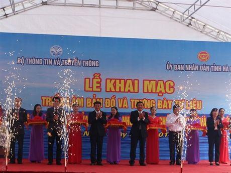 Ha Nam: Trien lam Hoang Sa, Truong Sa cua Viet Nam - Nhung bang chung lich su va phap ly - Anh 2