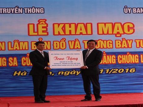 Ha Nam: Trien lam Hoang Sa, Truong Sa cua Viet Nam - Nhung bang chung lich su va phap ly - Anh 4