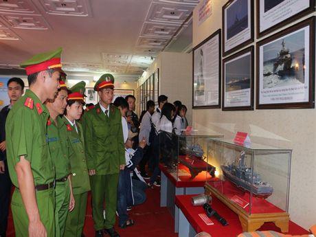 Ha Nam: Trien lam Hoang Sa, Truong Sa cua Viet Nam - Nhung bang chung lich su va phap ly - Anh 7