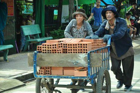 Toi nay, be mac LHP Quoc te Ha Noi: Cho 'Hoa vang...' 'Trung so' - Anh 2