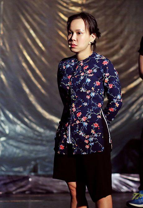 Live show Viet Huong 'chay dua' voi ap thap nhiet doi - Anh 1