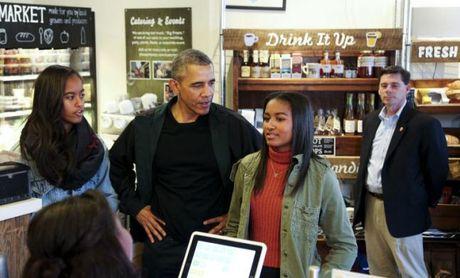 Tong thong Obama trai long ve viec con gai co ban trai - Anh 2