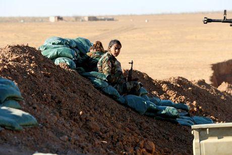Ve dep nhung nu chien binh nguoi Kurd trong cuoc chien o Mosul - Anh 13