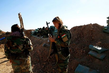 Ve dep nhung nu chien binh nguoi Kurd trong cuoc chien o Mosul - Anh 14