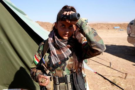 Ve dep nhung nu chien binh nguoi Kurd trong cuoc chien o Mosul - Anh 15