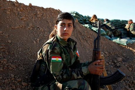 Ve dep nhung nu chien binh nguoi Kurd trong cuoc chien o Mosul - Anh 3