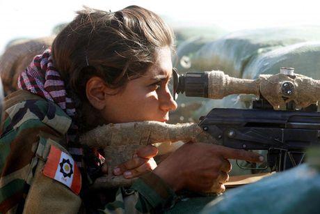 Ve dep nhung nu chien binh nguoi Kurd trong cuoc chien o Mosul - Anh 4