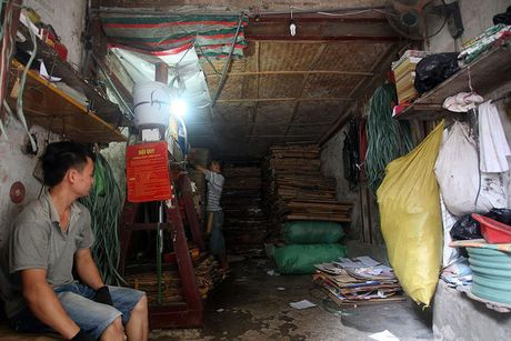 Chum anh: Song thap thom trong khu nha nam nao cung chay o Ha Noi - Anh 18