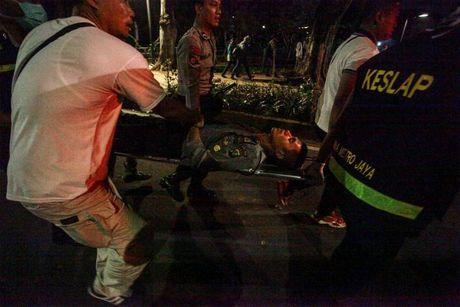 Chum anh Jakarta chim trong hon loan vi Thi truong bang bo dao Hoi - Anh 13