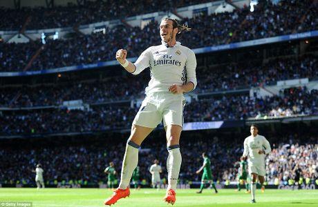 Gareth Bale toa sang, Real tam bo xa Barcelona den 5 diem - Anh 1