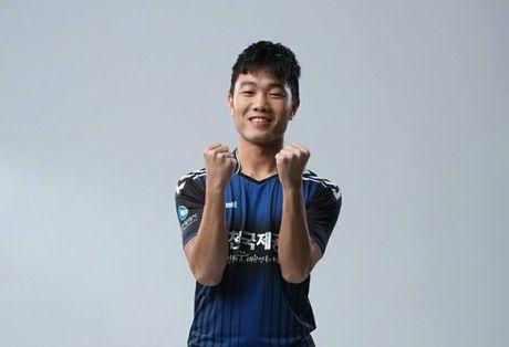 Clip Xuan Truong 'ban' tieng Han 'nhu gio' - Anh 1