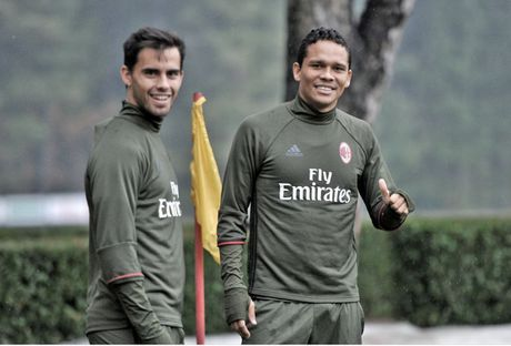 21h00 ngay 06/11, Palermo vs AC Milan: Mai sac hang cong - Anh 4