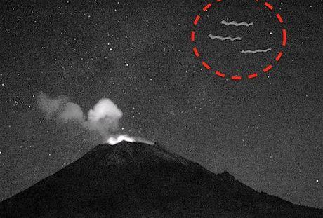 Phat hien 3 UFO hinh xoan quai la o nui lua Mexico - Anh 1