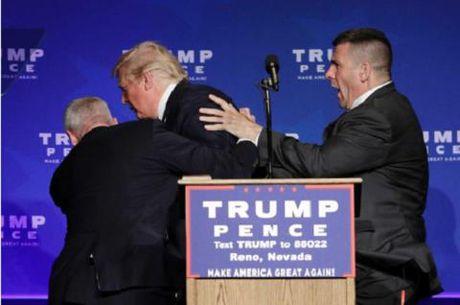 Ong Trump duoc so tan khan cap do de doa xa sung tai cuoc van dong tranh cu - Anh 1
