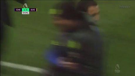 Chelsea nhan chim Everton bang chien thang 5 sao - Anh 1