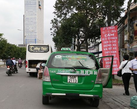 TP HCM: Them mot tuyen duong cam xe khach dung, dau - Anh 1