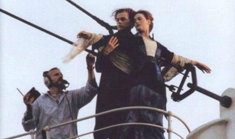 Tiet lo anh hau truong cuc 'doc' cua phim 'Titanic' - Anh 1