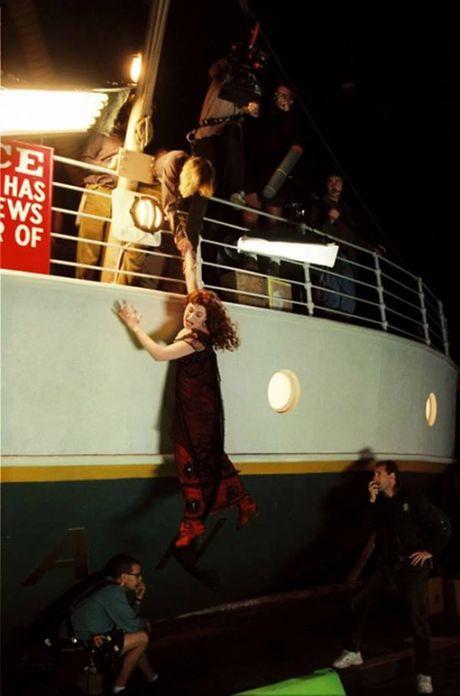 Tiet lo anh hau truong cuc 'doc' cua phim 'Titanic' - Anh 4