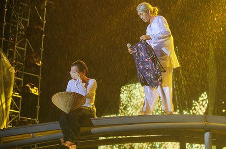 Live show Viet Huong: 'Ca nha' cung khoc trong mua suot 2 gio - Anh 5