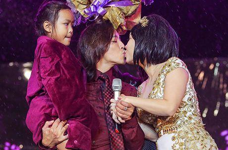 Live show Viet Huong: 'Ca nha' cung khoc trong mua suot 2 gio - Anh 9