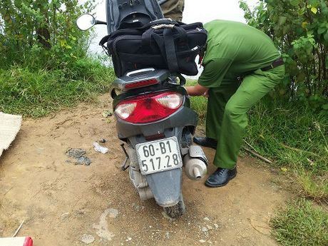 Mot co gai tu vong bat thuong o ho da lang Dai hoc - Anh 2