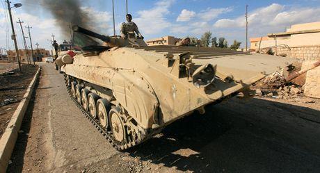 Nhieu chi huy cua IS da bo tron khoi Iraq cung ngan kho vai trieu USD - Anh 1