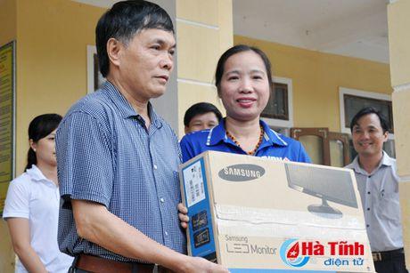 Cac don vi, doanh nghiep tiep tuc den voi nguoi dan vung lu Ha Tinh - Anh 5